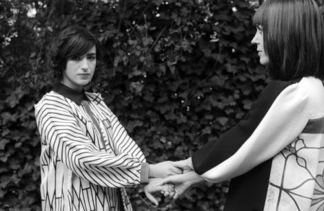 Helen Marnie (aus Glasgow) & Mira Aroyo (aus Bulgarien) sind die weiblichen 50% der Band Ladytron.