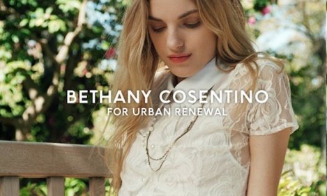 Best Coast's Bethany Cosentino's für Urban Outfitters im Jahre 2012