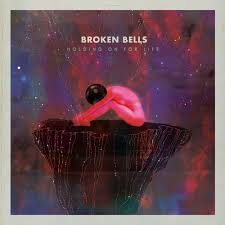 "Das Single Cover, rosa-pinke-Hübschheit ""Holding on for Life"" / Bildquelle: Silence No Good http://silencenogood.net/broken-bells-holding-on-for-life/"