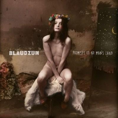 """Die androgyne Figur mit dem leeren Blick ziert das Album-Cover des aktuellsten Blaudzun-Albums """"Promises Of No Man´s Land""""."""
