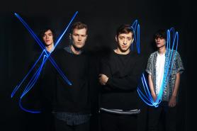 BILD: http://diymag.com/2015/01/19/gengahr-unveil-new-single-shes-a-witch